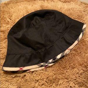 Black Burberry Bucket Hat with Nova Check Trim